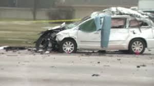 2 killed in crash in sterling heights