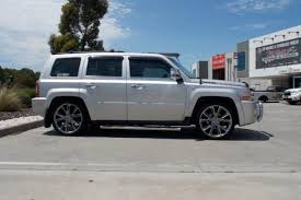 silver jeep patriot black rims jeep patriot with srt 13 20 inch