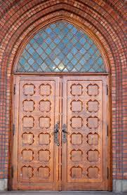 main door file uranienborg church front door jpg wikimedia commons