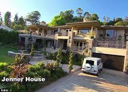 Kris Jenner Backyard Keeping Up With The Kardashians U0027home U0027 On Market For 9m Daily