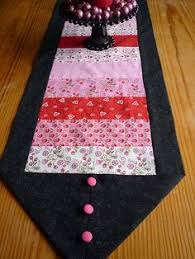 fast and easy table runner for all holidays or home decor
