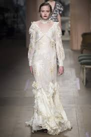 The Best Wedding Dresses The Best Bridal Moments From The Fall 2016 Runways Vogue