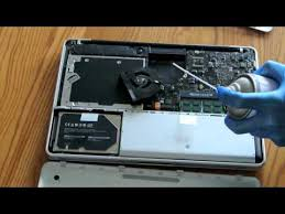 macbook pro late 2008 fan how to clean your macbook cleaning the mac fan and battery area