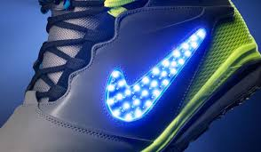 light up snowboard boots nike s new snowboard boots light up the halfpipe si kids