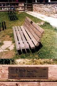 memorial bench howlingpixel
