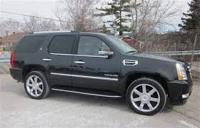 2011 cadillac escalade reviews suv review 2011 cadillac escalade hybrid driving