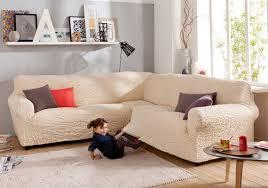 housses pour canapé plaids et housses à la rescousse pour décorer intérieur