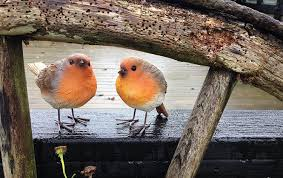 set of two robin ornaments suitable for outside weatherproof