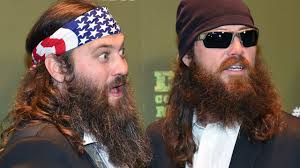 duck dynasty hair cut duck dynasty s jase robertson shaved his beard off for charity
