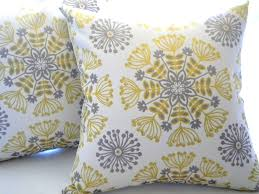 Grey Decorative Pillows Buying The Couch Pillows U2013 Trusty Decor
