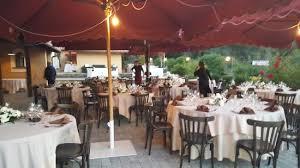 ristoro la dispensa allestimento pronto per gli ospiti con il buio ancora più bello