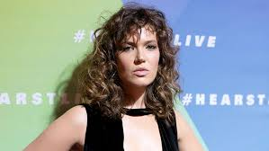 hair style fashion for fat ladies curly hair is the trend here to stay pret a reporter
