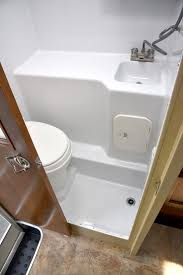 Tiny Bathroom Sink by Best 25 Camper Bathroom Ideas On Pinterest Rv Storage Trailer