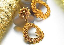 stylish gold earrings what are types of earrings quora