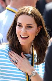 kate middleton s engagement ring kate middleton u0027s necklace is a secret tribute to princess diana