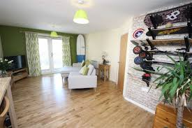 Laminate Flooring Swindon Towpath Gardens Swindon Town Centre Sn1 5ad Richard