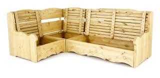 canapé en pin canapé d angle style chalet en pin massif motif courchevel grenier