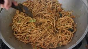 membuat mie gomak goreng mie gomak spaghetti ala batak mie lidi goreng bumbu kacang