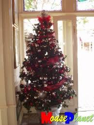 mouseplanet disneyland u0027s christmas trees by lisa perkis
