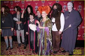 bette midler u0027s u0027hocus pocus u0027 halloween costume was one of the best