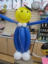 balloon arrangements for graduation graduation season balloon decor amytheballoonlady