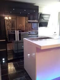 cuisine design toulouse cuisine design toulouse laque blanche plan de travail en quartz