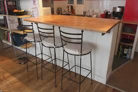 fabriquer une table haute de cuisine table de cuisine murale unique construire table haute chambre