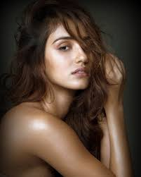 commercial actress with mole on face disha patani does not want to be an eye candy bollywoodlife com