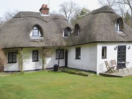 100 small english cottages talking about your home types