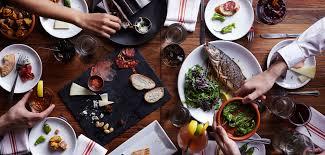 top 10 des cuisines du monde le top 10 des villes où l on mange le mieux à travers le monde grazia