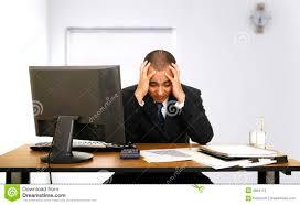 employé de bureau tension des employés dans bureau image stock image du mâle