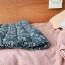 plaid turquoise pour canapé 10 plaids parfaits pour réchauffer vos soirées d hiver frenchy fancy