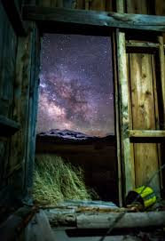 Barn Door Photography by Montanans Among Stars Butte Photographers Shed Light On The Night