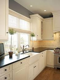 best colors to paint kitchen walls with white cabinets 25 antique white kitchen cabinets ideas that your
