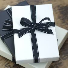 black gift wrap gift wrapping idea gift wrapping ideas wrapping ideas