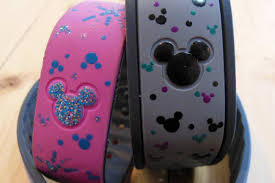 3 Quick and Easy Ways to Decorate your Disney Magic Band