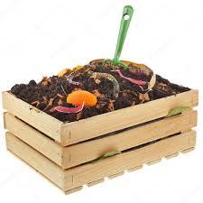 composteur cuisine déchets de cuisine dans le tas de compost du sol photographie