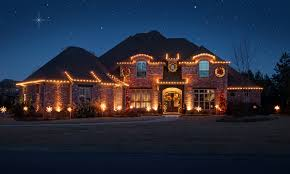 a look at homes decorated with christmas lights homes of the rich