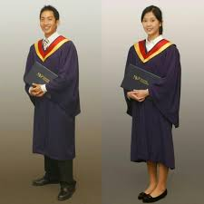 graduation gown rental excellent condition cheapest rental nanyang polytechnic