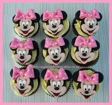 minnie mouse cupcakes minnie mouse cupcakes cake by mel sugarandspicecakes cakesdecor