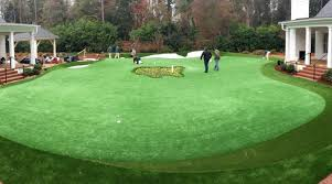 dave stockton designed this putting green at augusta home