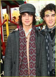 thanksgiving day 2007 the jonas brothers thanksgiving day parade photo 753131 joe