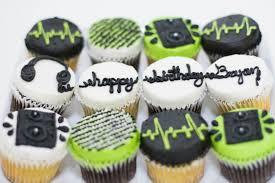 custom cupcakes decorated custom cupcakes