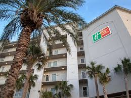 Cheap Beach House Rentals In Galveston by Galveston Beachfront Hotel And Resort Holiday Inn Club Vacations