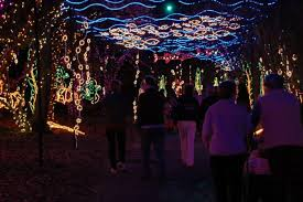 christmas lights in alabama magic christmas in lights at alabama s bellingrath gardens