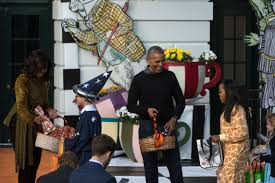 the obamas u0027 last halloween in the white house essence com