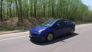 2009 toyota prius mpg toyota prius sets mpg standard in consumer reports tests