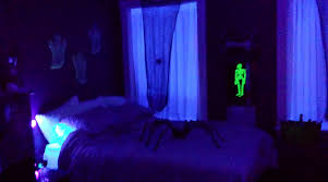 glow in the dark bedroom halloween party 2013 e2 80 93 glow in the dark room just holly ann