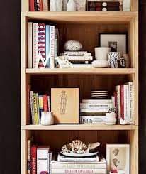 Colored Bookshelves by Best 25 Arranging Bookshelves Ideas On Pinterest Decorate
