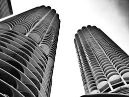 marina towers the first circular apartment buildings in history skyline architecture marina towers chicago